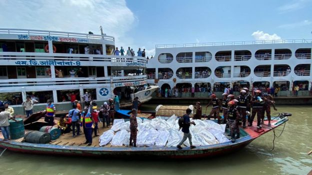 Bangladesh-ferry-crash-3